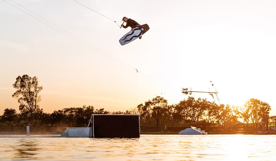 How to Buy a Wakeboards Kaesen Suyderhoud Big Air