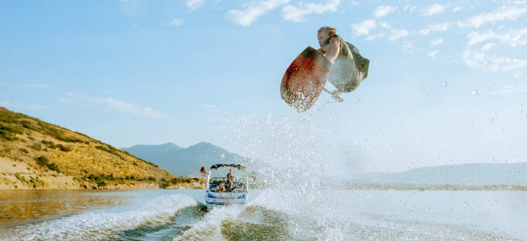 How to Buy a Wakeboards Toeside Air