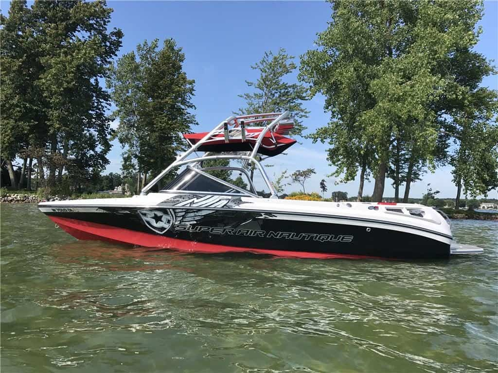 2007 Correct Craft Air Nautique 210